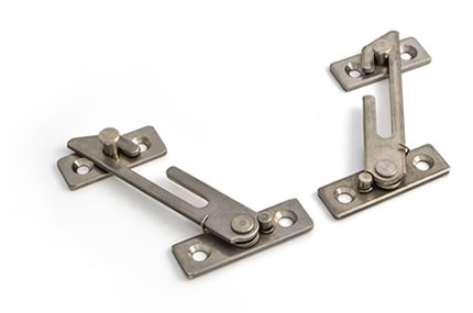 Concealed restrictors for casement windows